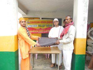 Blanket distribution - Winter Relief at Naubasta village, Unnao, Uttar Pradesh.
